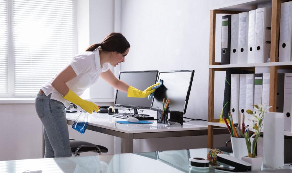 De acordo com o Feng Shui, manter o ambiente limpo ajuda na fluidez do Chi. Atente também para cortinas, tapetes e equipamentos de refrigeração.