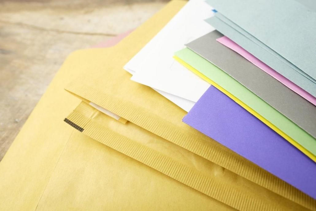 Materiais para escritório: Papelaria timbrada.