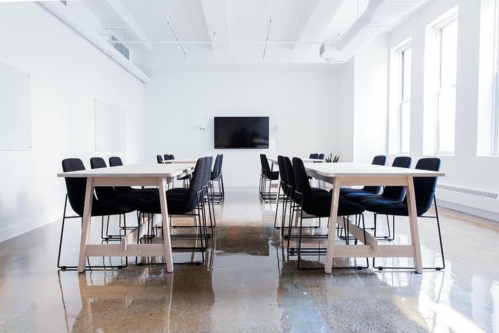 opte por cadeiras confortáveis para não atrapalhar a reunião