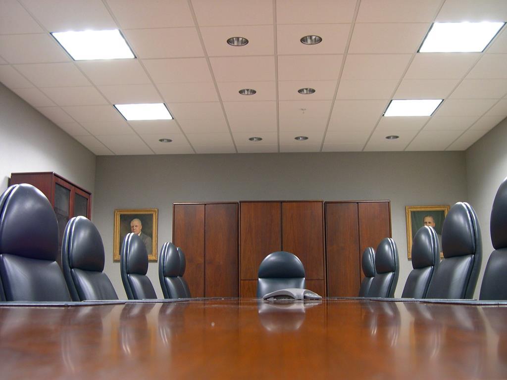 as poltronas podem ser uma boa opção quando o assunto são assentos confortáveis