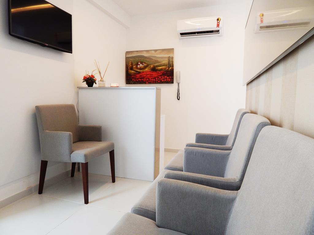 optar por uma sala de espera mais clean transmite tranquilidade e faz com que seus clientes se sintam mais relaxados sem causar uma poluição visual